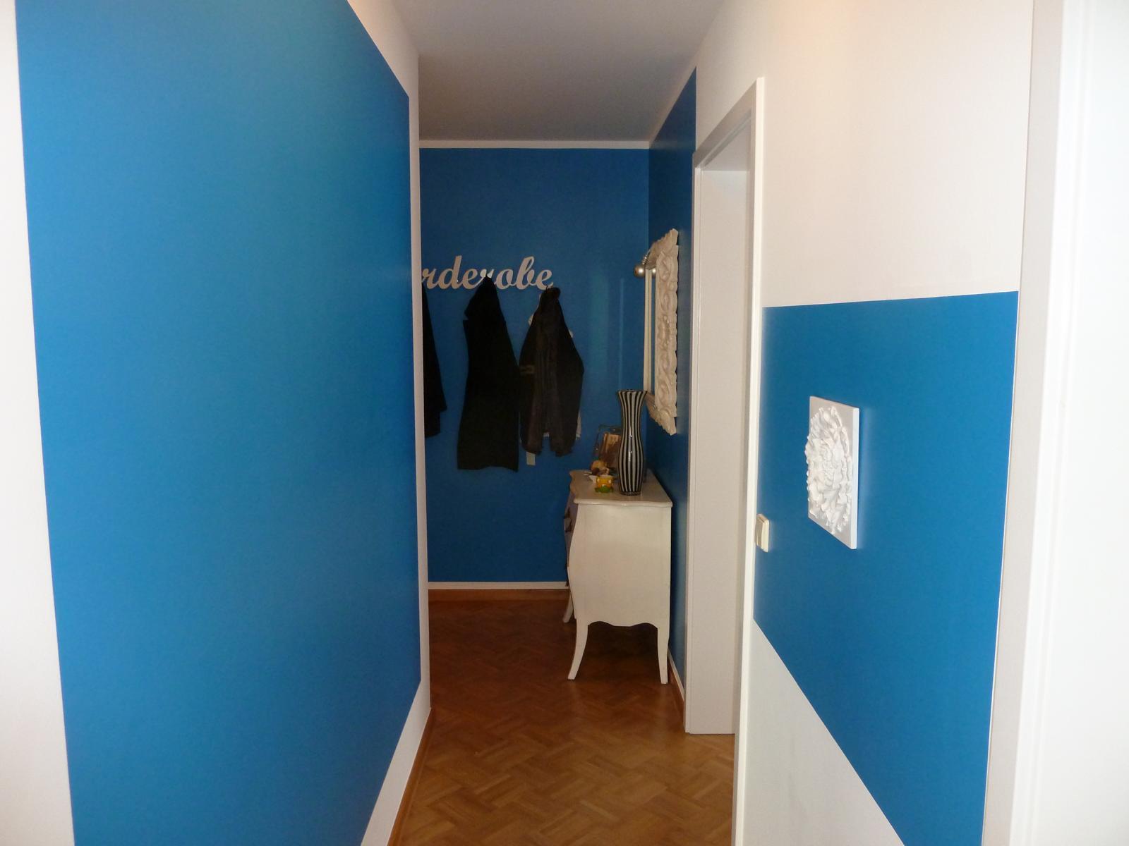Korridor mit Stuckelementen